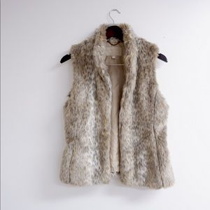 GORGEOUS FAUX FUR CHEETAH PRINT VEST